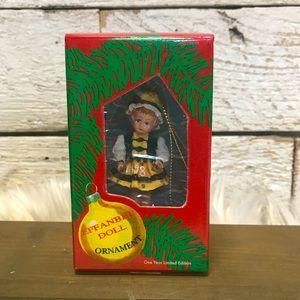 💥1998 Effanbee Doll Christmas Ornament #FO33